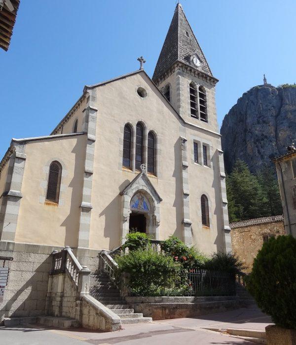 Eglise Castelane - Visit Provence France