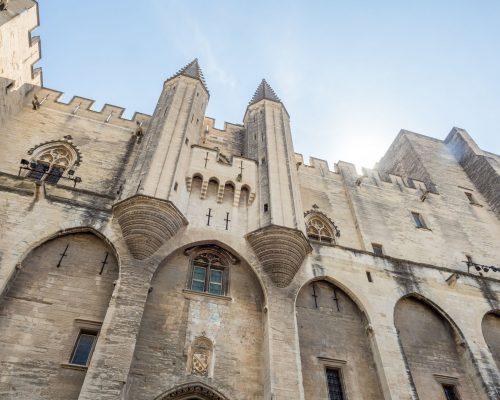 Architecture du palais des papes à Avignon