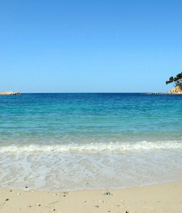Plage de Renecros sur la mer Méditerranée - Visit Provence France.jpg
