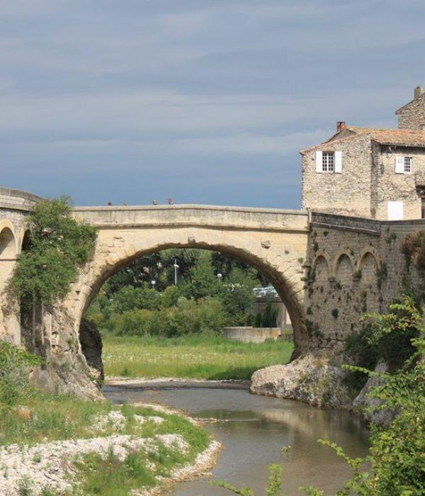 Pont Vaison-la-romaine - Visit Provence France