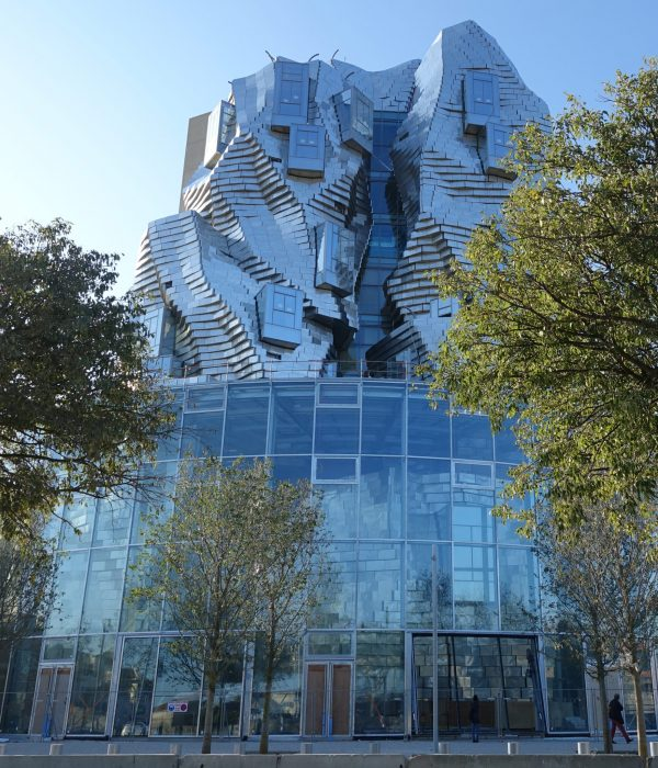 architecture-urban-town-city-modern-design-tower- Frank Gehry - Projet Luma - Visit Provence